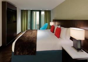 lakeshore millennium suites bedroom1280x960(c)RadissonBluAquaHotel